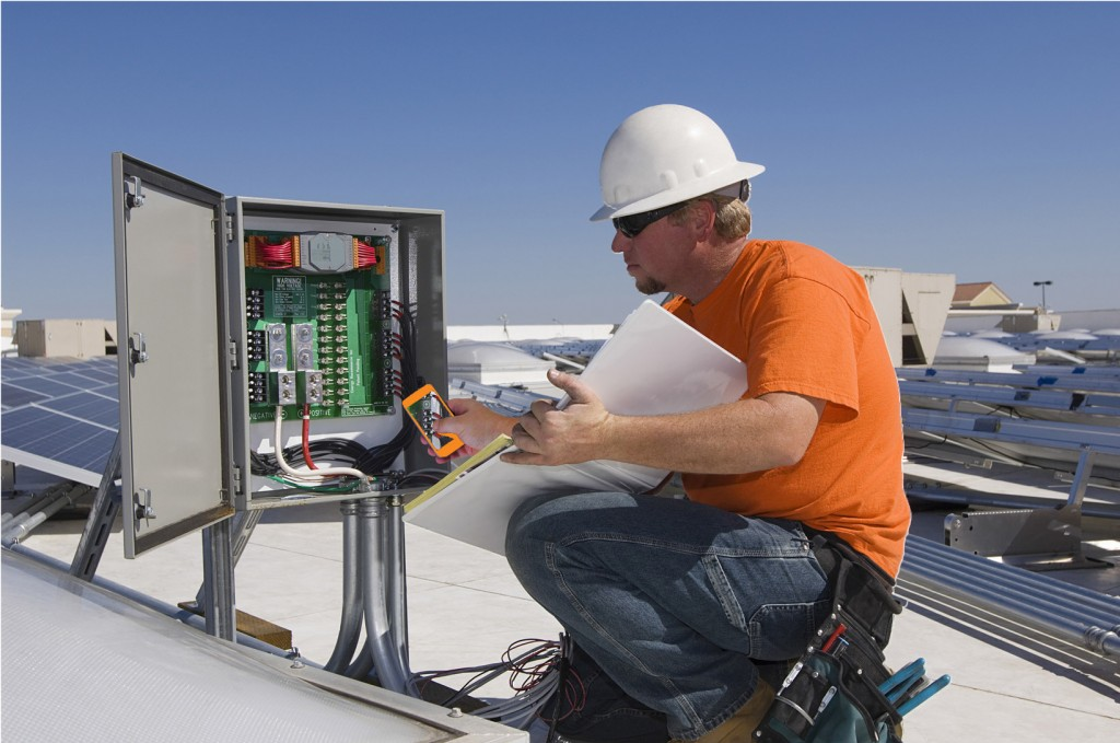 Top 5 Reasons to Hire a Telecom Field Service Engineer