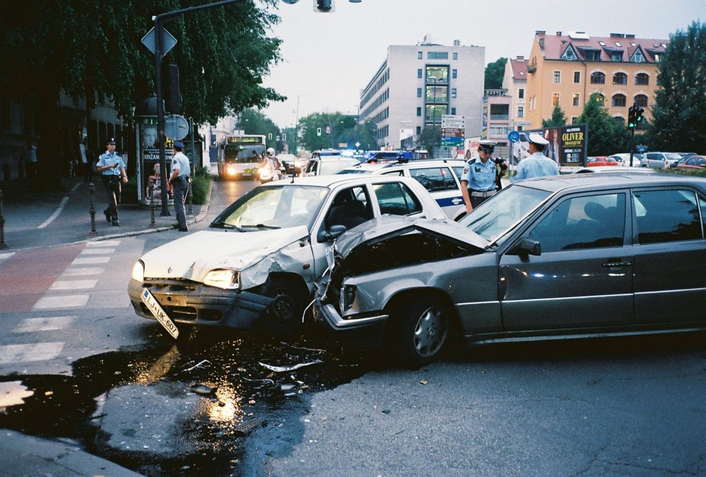 6 Steps to Take Following a Car Accident